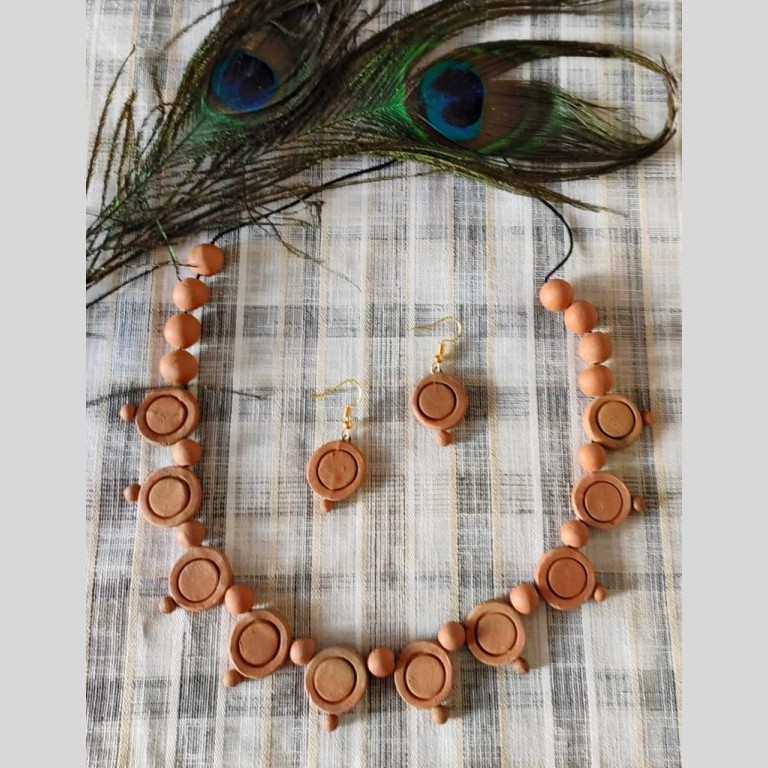 Bid-Coins Terracotta Necklace Set | Bid-Coins Terracotta Necklace Set |