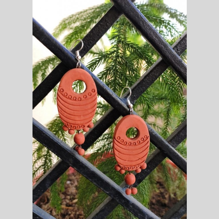 Oval Shaped Crafted Terracotta Earrings |