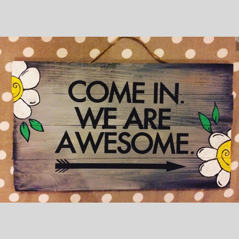 Awesome Welcome Hanging Board