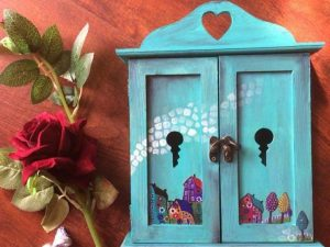 Lovely Teal Closet Key Holder