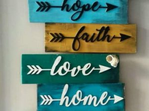 Amazing 8 Positive Words Plaque Set