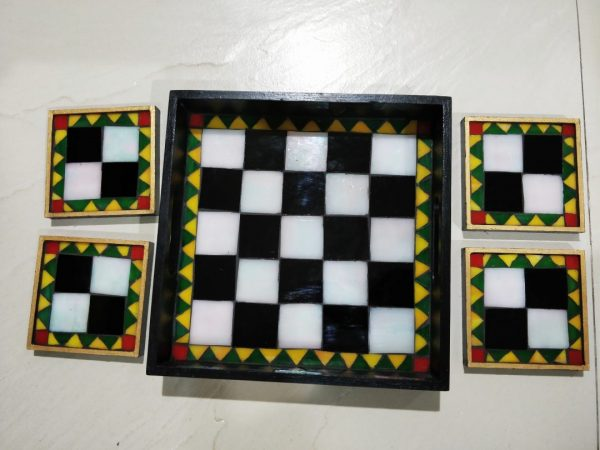 Chequered Tray and Coaster Set | Chequered Tray and Coaster Set |
