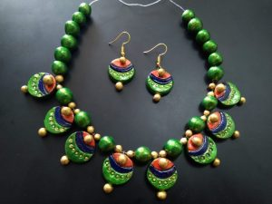 Latest Peacock Eye Terracotta Clay Necklace Set