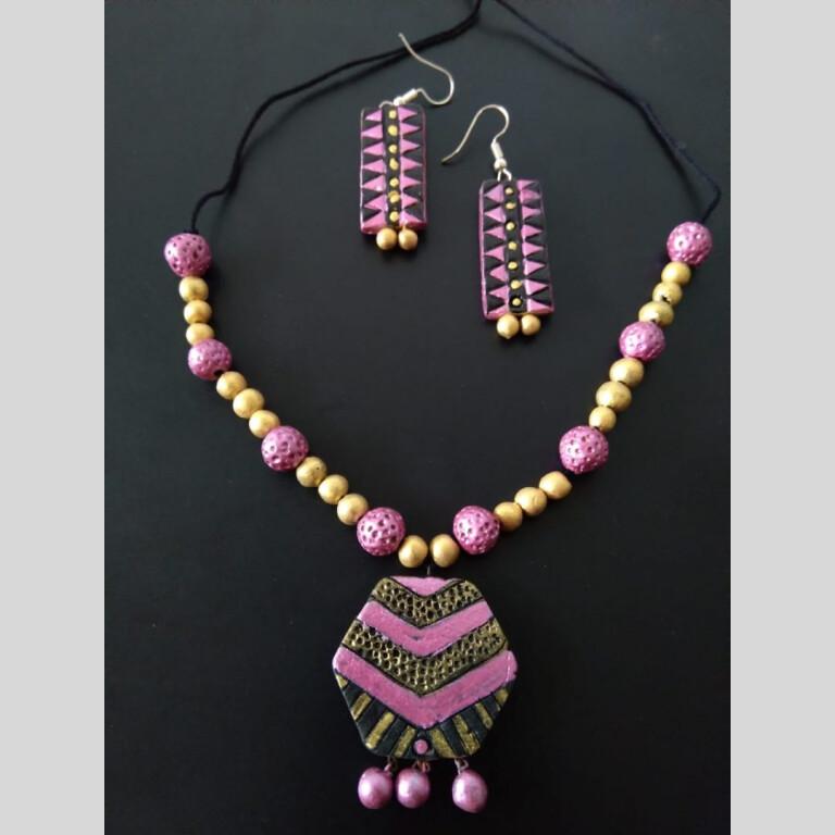 Hexagon Pink Clay Neckset