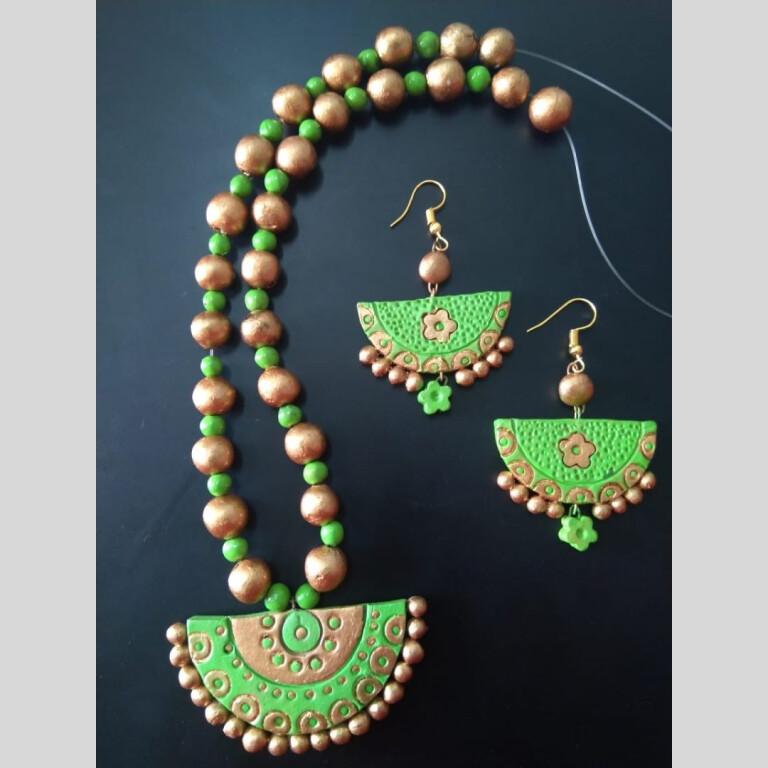 Green Half Circle Clay Necklace Set