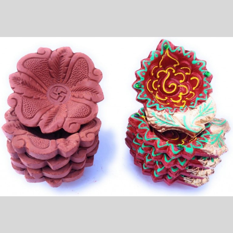 Hand Painted Leaf Shaped Terracotta Clay Diyas |