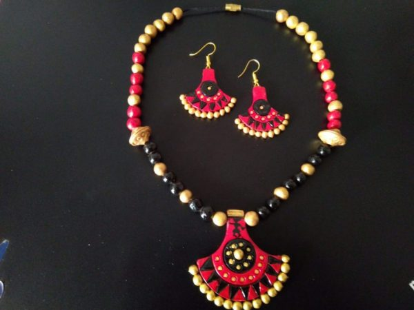 Reemerging Red And Black Necklace Set  
