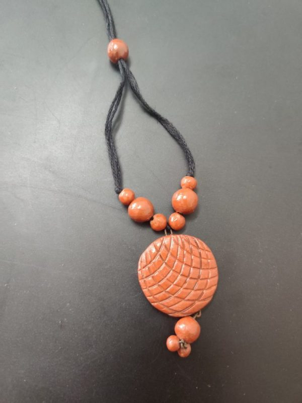 Terracotta Queen's Pendant With Beads |