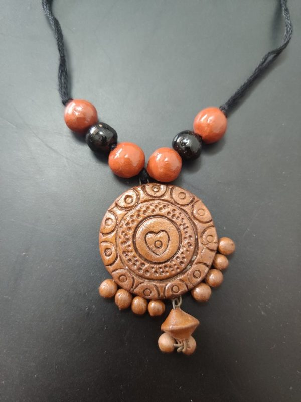 Terracotta Round Pendant Necklace |