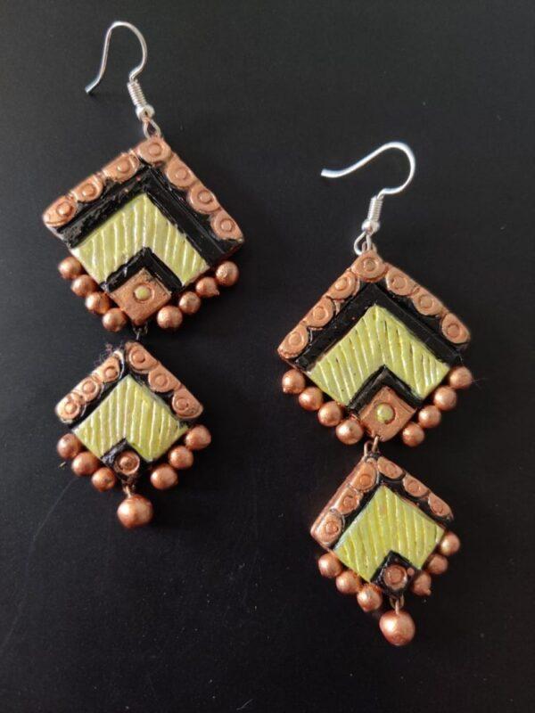 Ceramic Brown And Cream Coloured Hanging Dangler  