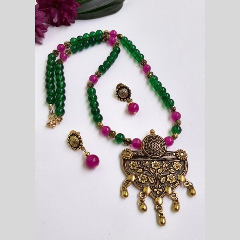 Green And Pink Beads Ethnic Neckset   Green And Pink Beads Ethnic Neckset  