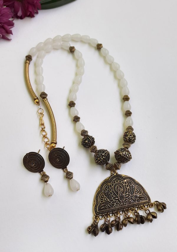 White Beads Ethnic Antique Neckset   White Beads Ethnic Antique Neckset  
